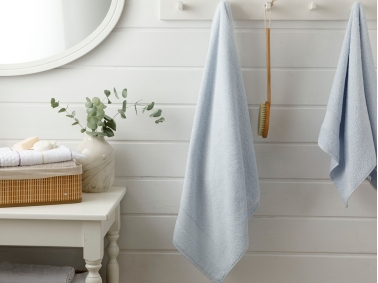 Pure Basic Bath Towel 70 x 140 Cm - Blue
