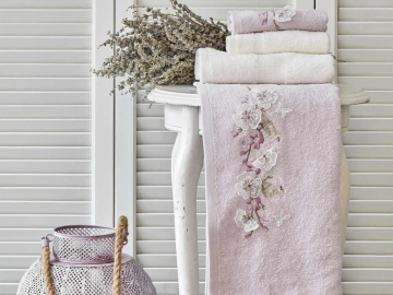 4 Pieces Goldie Embroidered Towel Set - Off white / Lilac