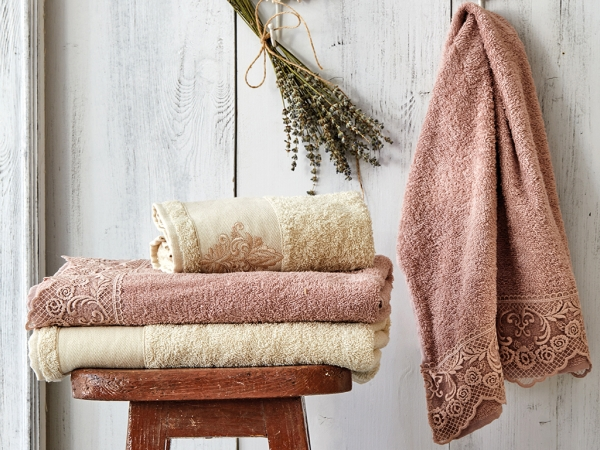 4 Pieces Valeria Royal Lacy Towels Set - Dried Rose